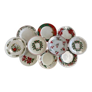 Merry Bright Mixed Christmas Dinner Plates Set of 10 For Sale