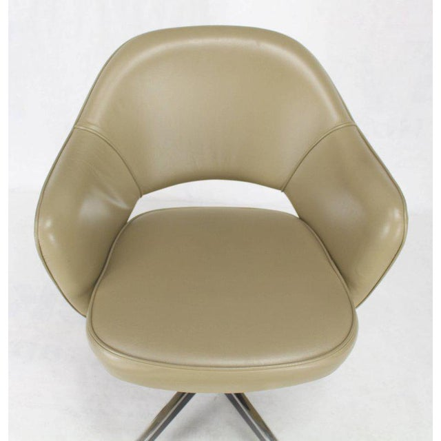 Green Set of Six Olive Leather Knoll Saarinen Executive Bucket Chairs For Sale - Image 8 of 10