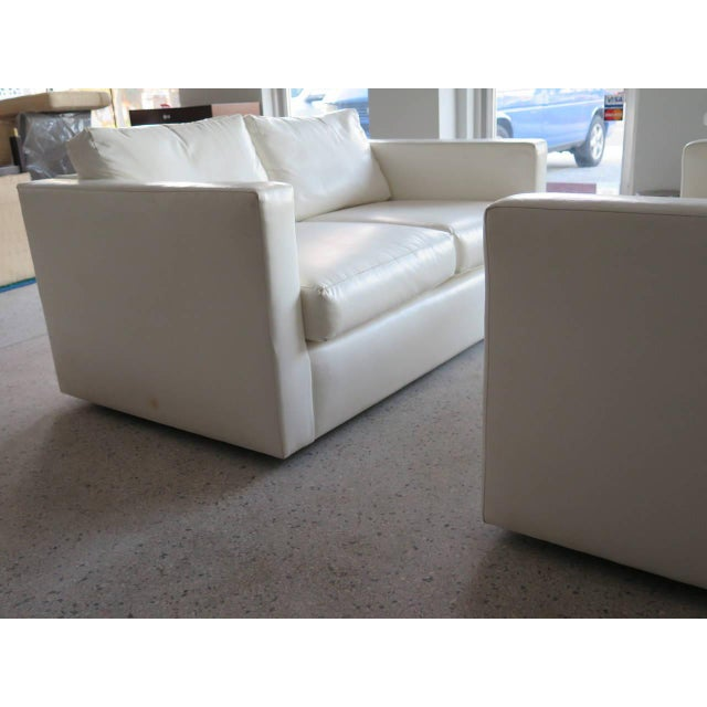 White Pair of Classic Minimalist Milo Baughman Settees For Sale - Image 8 of 9