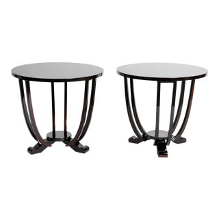 Round Table with Three Legs