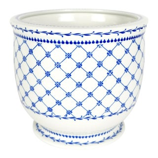 Blue and White Porcelain Cachepot by Giulia Mangani For Sale