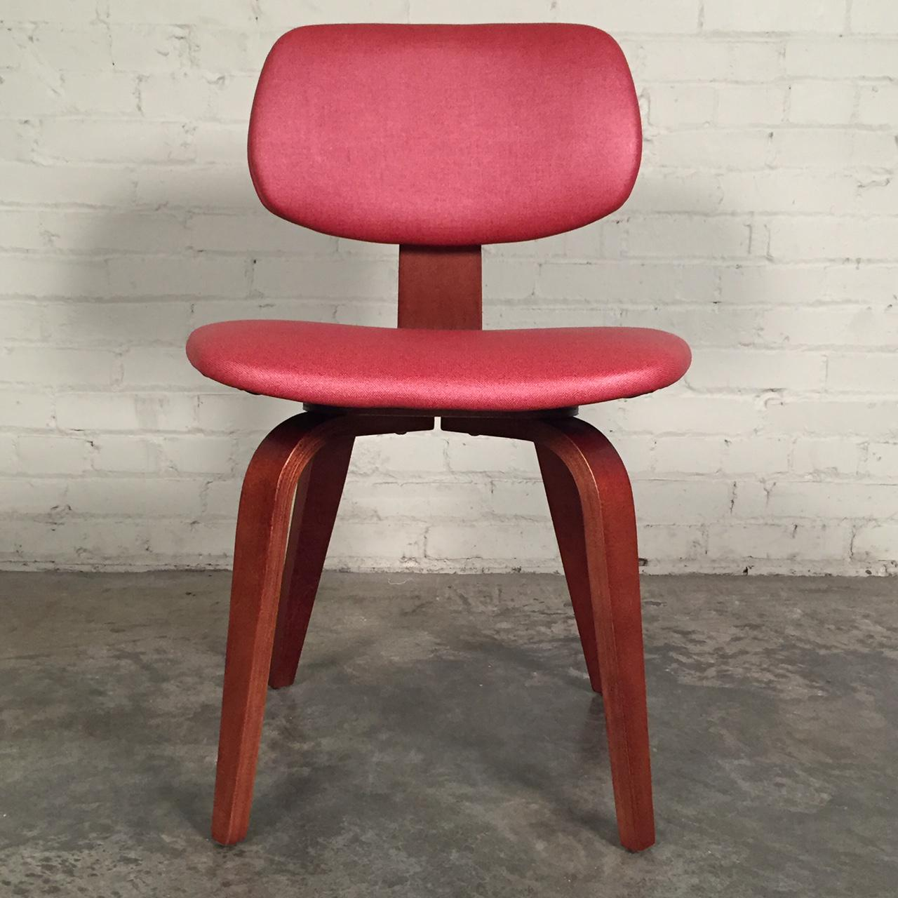 Thonet Eames Style Bentwood Mid Century Modern Side Chairs   Set Of 8    Image