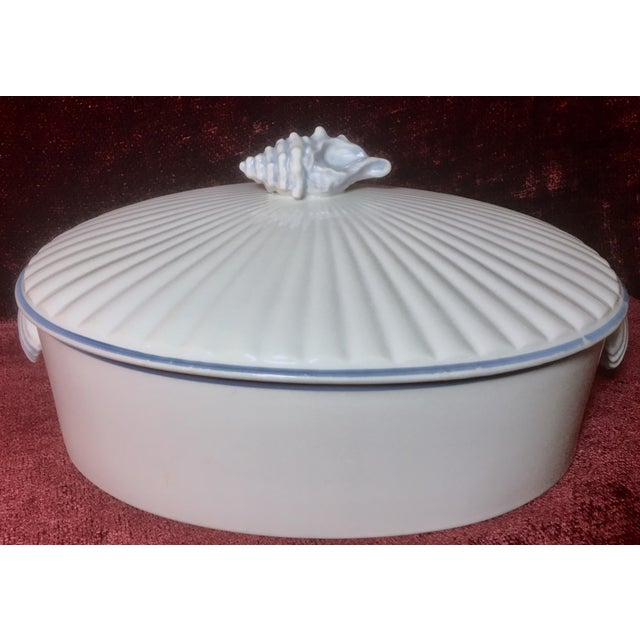 1970s Nautical Shell Motif Oven-To-Table 3qt Porcelain Casserole by Shafford Japan For Sale - Image 10 of 10