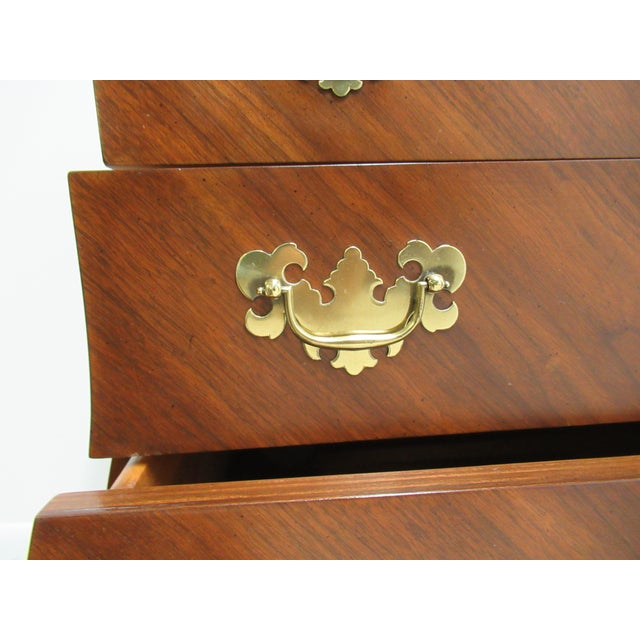 French Country Weiman Serpentine Bachelors Chest For Sale In Philadelphia - Image 6 of 13