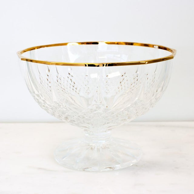 French Late 20th Century French Country Crystal and Gold Rimmed Footed Serving Bowl For Sale - Image 3 of 3