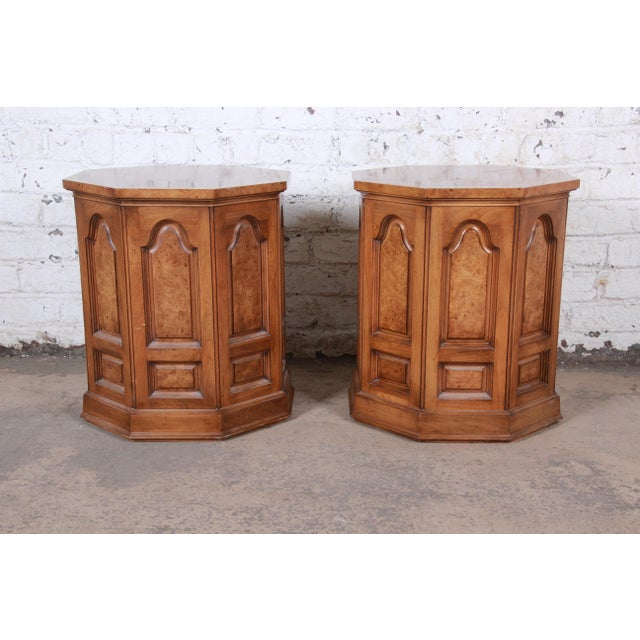 Brown Mastercraft Mid-Century Hollywood Regency Burl Wood Cabinet Side Tables - a Pair For Sale - Image 8 of 9