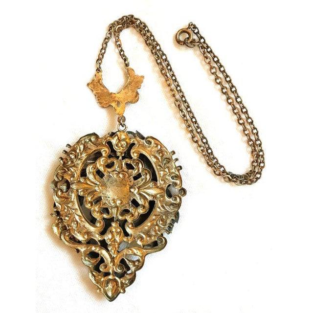 1930s Raised Floral Motif Pendant Necklace For Sale - Image 4 of 5
