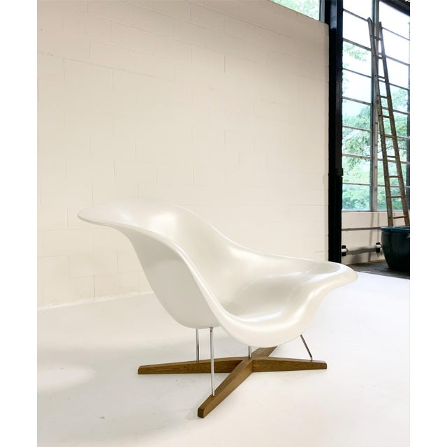 Charles and Ray Eames La Chaise For Sale In Saint Louis - Image 6 of 8
