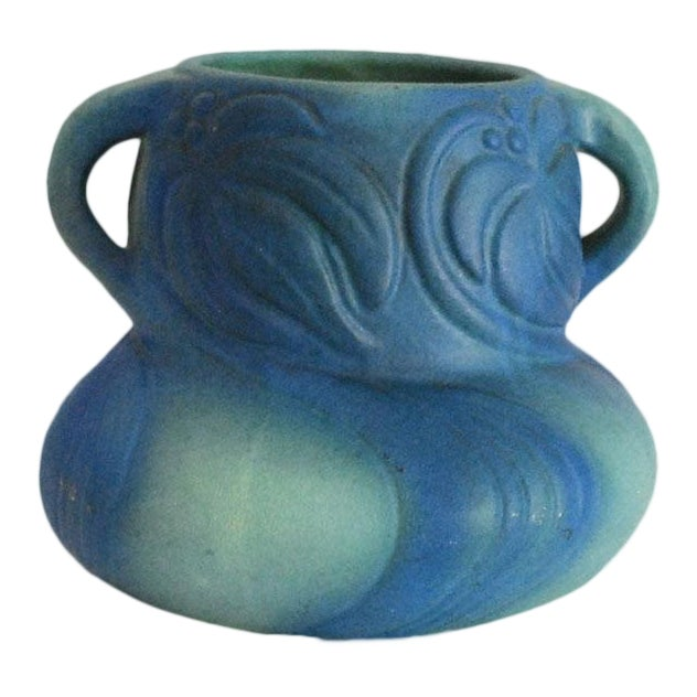 1920s Van Briggle Pottery Turquoise Blue Virginia Creeper Vase For Sale