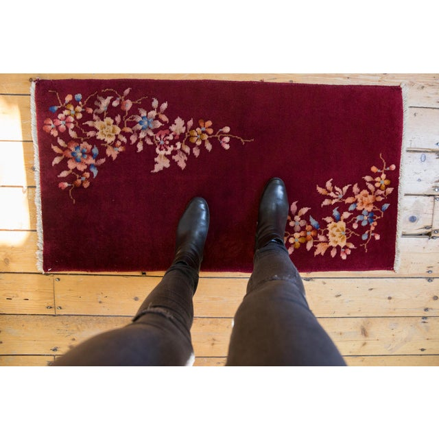 :: Corner floral sprays in heavier weight to one end as opposed to the other, atop an open field. Colors and shades...