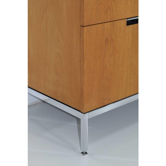 Florence Knoll Credenza in White Oak and Calacutta Marble For Sale In Dallas - Image 6 of 10