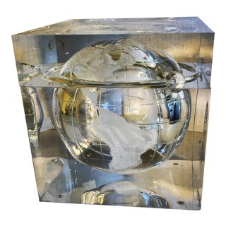 Modern Lucite Globe Ice Bucket by Carlisle Grainware For Sale