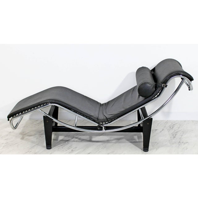 For your consideration is an original vintage black leather and chrome, chaise lounge by Le Corbusier for Cassina, Italy,...