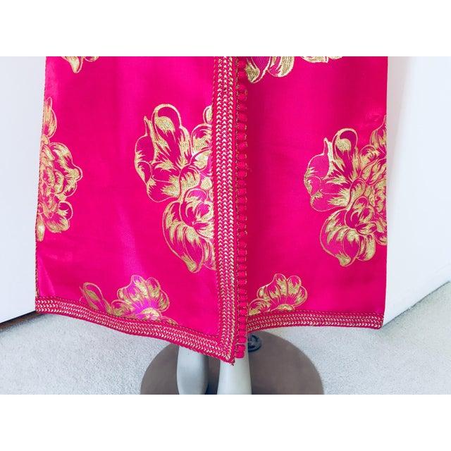 Vintage Designer Moroccan Caftan, Metallic Brocade Kaftan With Pink and Gold For Sale - Image 11 of 13
