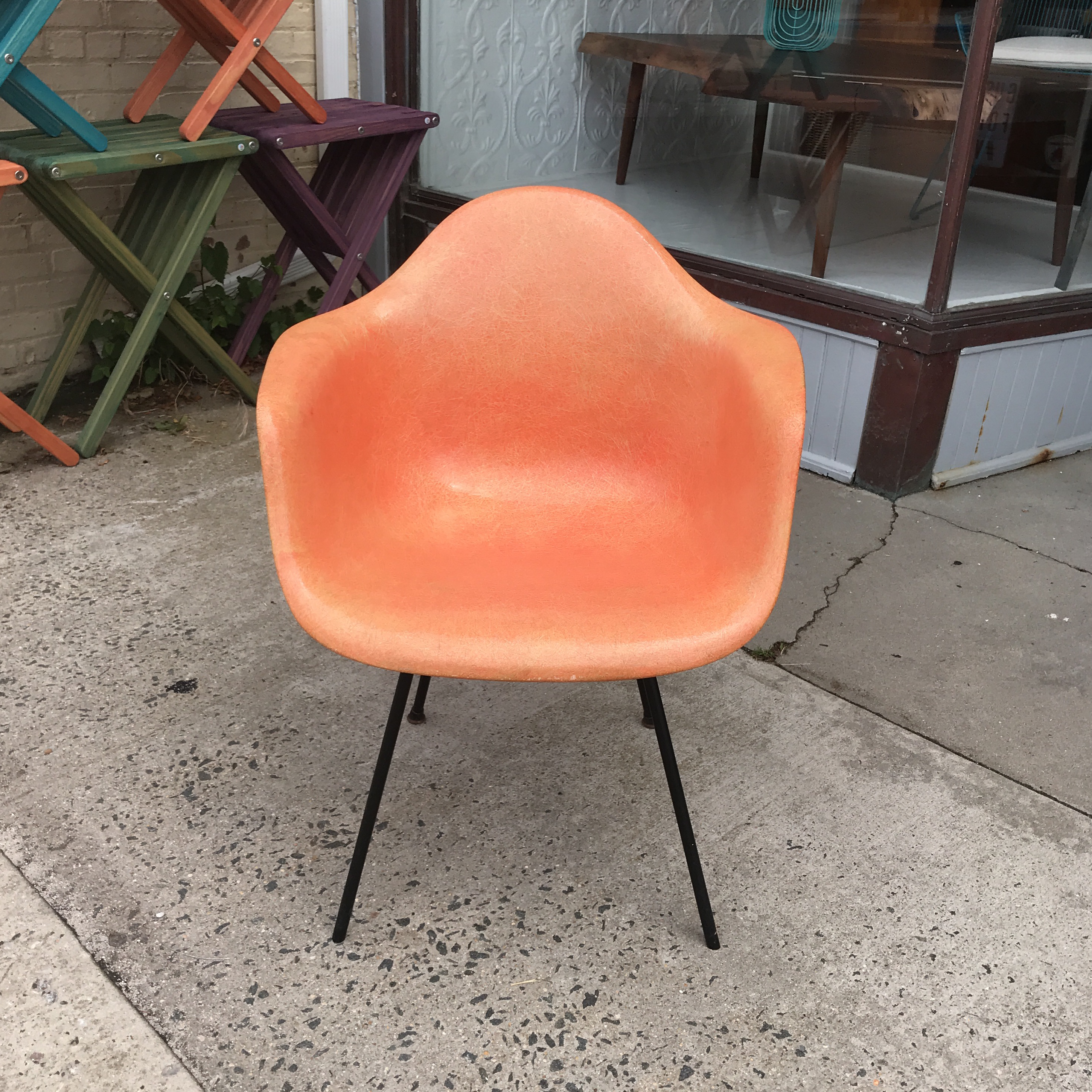 Industrial 1950s Mid Century Modern Eames For Herman Miller Salmon Molded  Fiberglass Chair For Sale