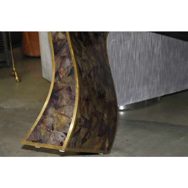 1980s Maitland-Smith Tessellated Horn and Brass Trimmed Sculptural Console Table For Sale - Image 5 of 8