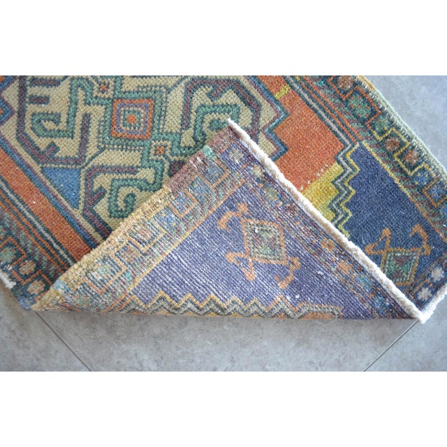 """Front of Bath Kitchen Sink Rug Hand Made Bath Mat Faded Mini Rug 1'9"""" X 3'5"""" For Sale In Raleigh - Image 6 of 6"""