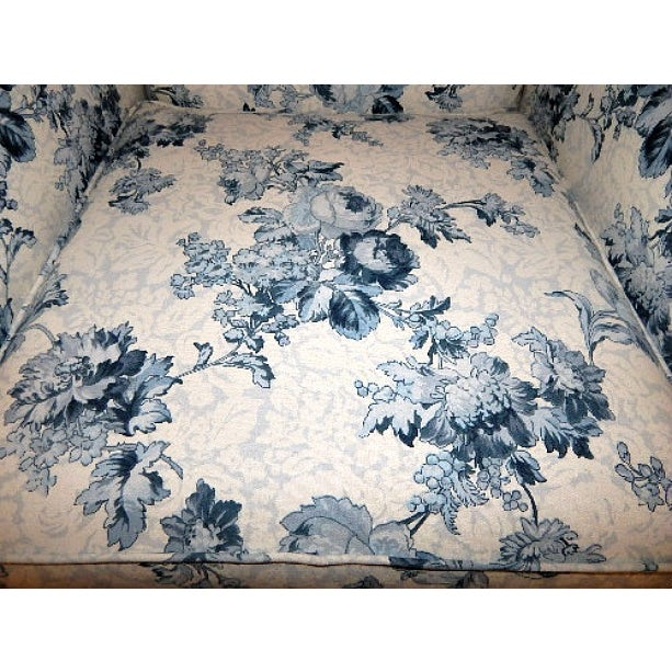 Ethan Allen Blue and White Floral Avery Chair - Image 5 of 6
