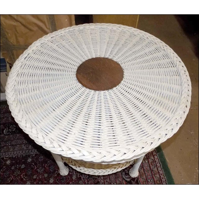 Early 20th Century Vintage White Wicker Round Table For Sale - Image 5 of 7