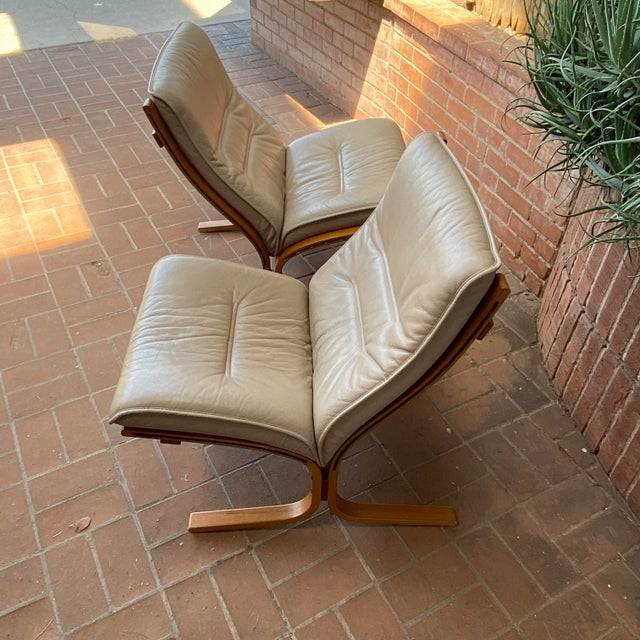 Vintage Westnofa Ingmar Relling Design Leather & Bent Wood Lounge Chairs - a Pair For Sale - Image 11 of 13