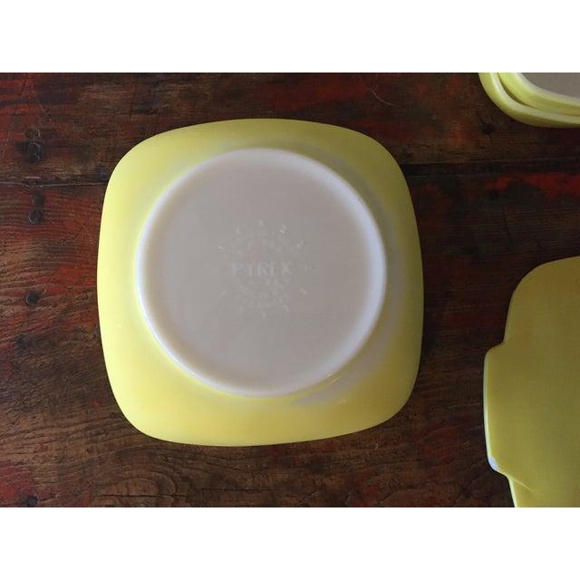 4-Piece Yellow Pyrex Square Salad Set - Image 5 of 9