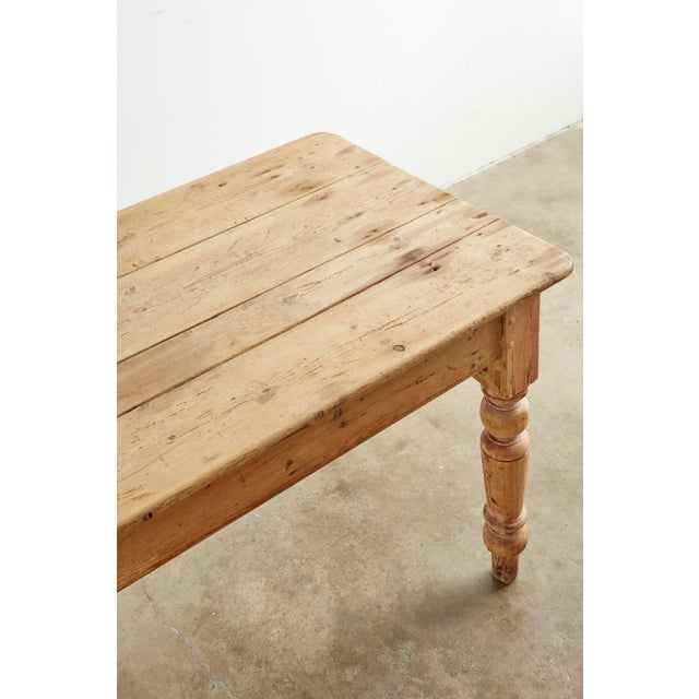 19th Century 19th Century American Country Pine Farmhouse Dining Table For Sale - Image 5 of 13