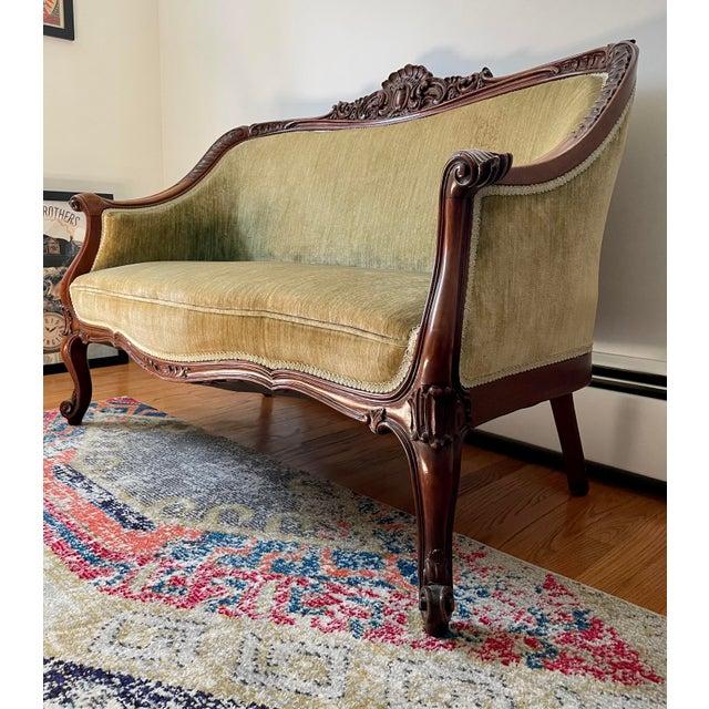 Victorian Victorian Settee/Loveseat in Green Velvet For Sale - Image 3 of 9