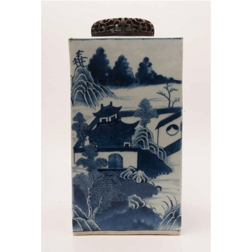 19th Century Chinese Export Canton Large Blue and White Tea Caddy For Sale - Image 11 of 11
