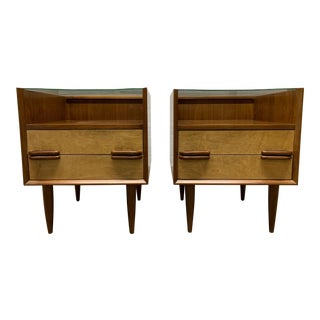Pair Mid Century Modern Walnut and Birch Nightstands For Sale