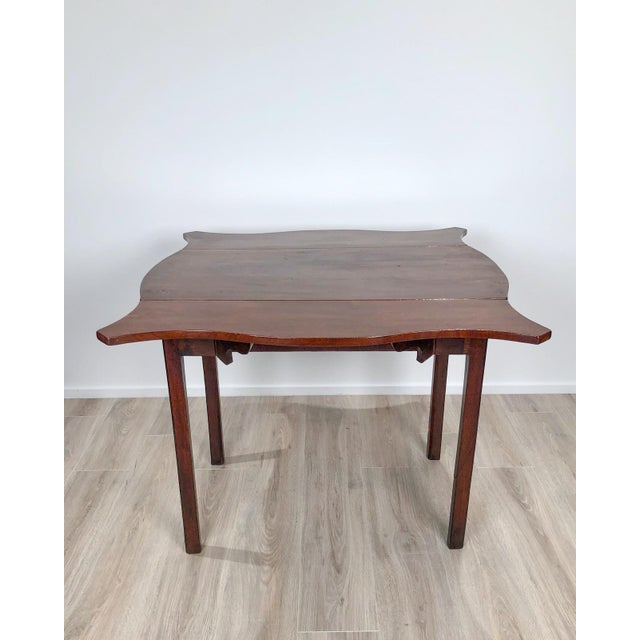 Late 18th Century Serpentine Pembroke Table For Sale - Image 4 of 9
