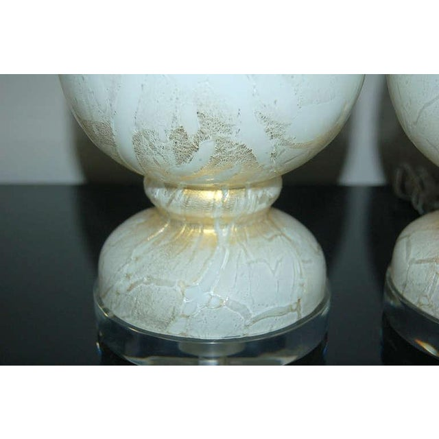 1940s Vintage Murano Glass Table Lamps White Gold For Sale - Image 5 of 8