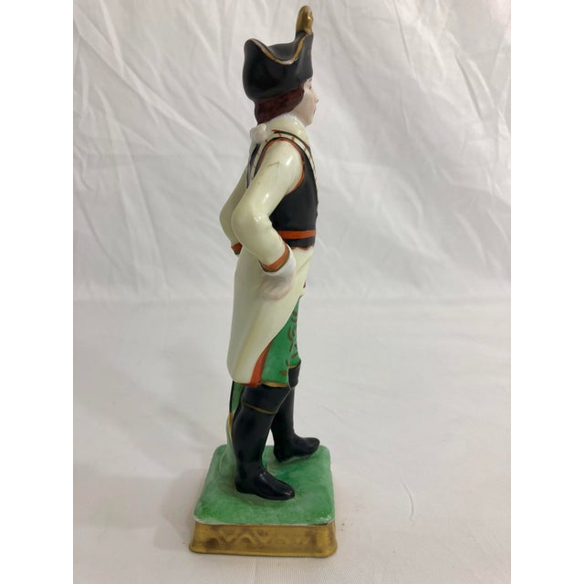 French Capodimonte Porcelain Statue of a French Imperial Soldier For Sale - Image 3 of 6