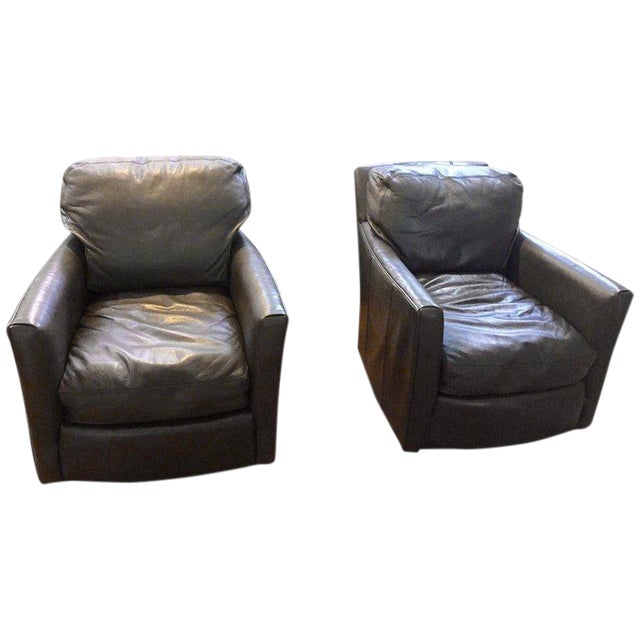 Traditional Lee Industries Supple Leather Swivel Club Chairs - a Pair For Sale