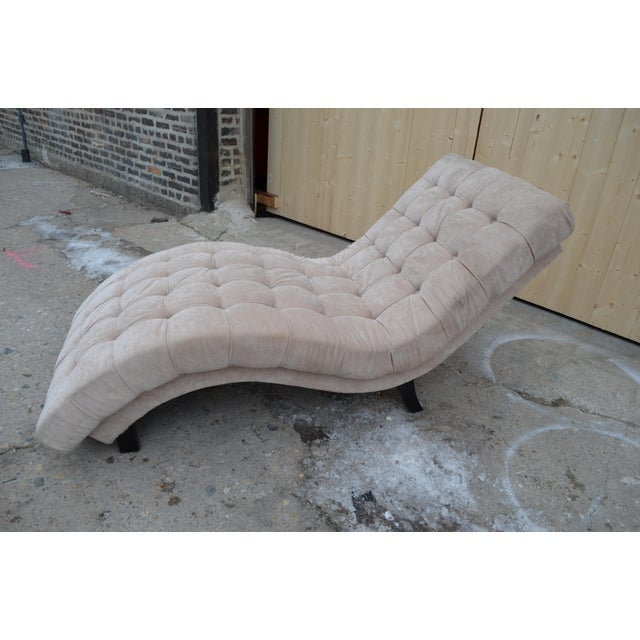 Mid-Century Modern Contemporary Ivory Tufted Chaise Lounge Chair For Sale - Image 3 of 10