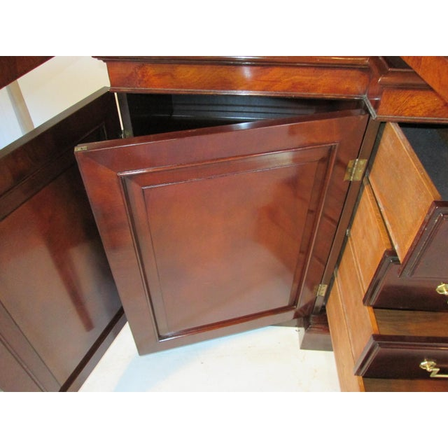 Traditional Old Colony Mahogany Breakfront Cabinet For Sale - Image 3 of 11