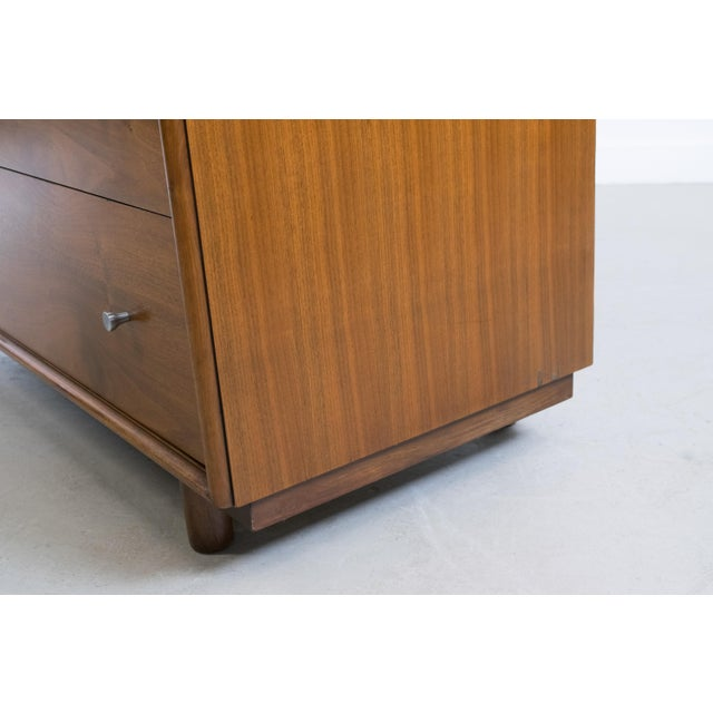 Ramseur Furniture Company Mid-Century Modern Walnut Chest of Drawers by Ramseur For Sale - Image 4 of 11