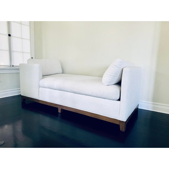 2010s White Lee Industries Chaise For Sale - Image 5 of 5
