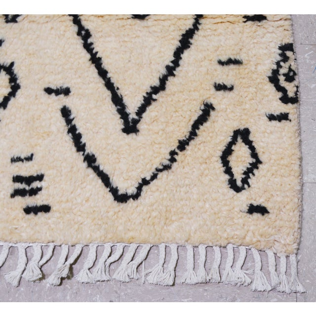 """Moroccan Hand Knotted Azilal Rug With Soft Texture and Tribal Pattern,5'7""""x8' For Sale - Image 4 of 5"""