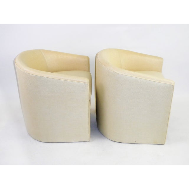 Pair of Barrel Back Tub Chairs in White and Gold Weave Fabric, 1960s For Sale - Image 4 of 13
