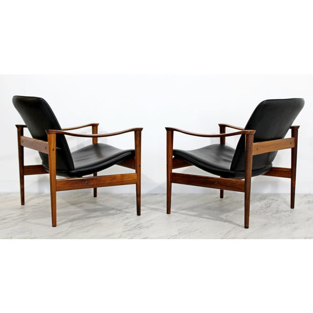 1960s Mid Century Modern Pair Model 711 Easy Chairs Fredrik Kayser Vatne Mobler 1960s For Sale - Image 5 of 11
