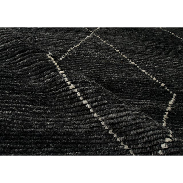 "Contemporary Stark Studio Rugs Baha Rug in Asphalt, 8'0"" x 10'0"" For Sale - Image 3 of 5"