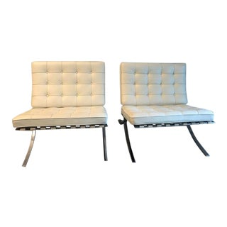 Mid Century Knoll Ludwig Mies Van Der Rohe Barcelona Chair- a Pair For Sale