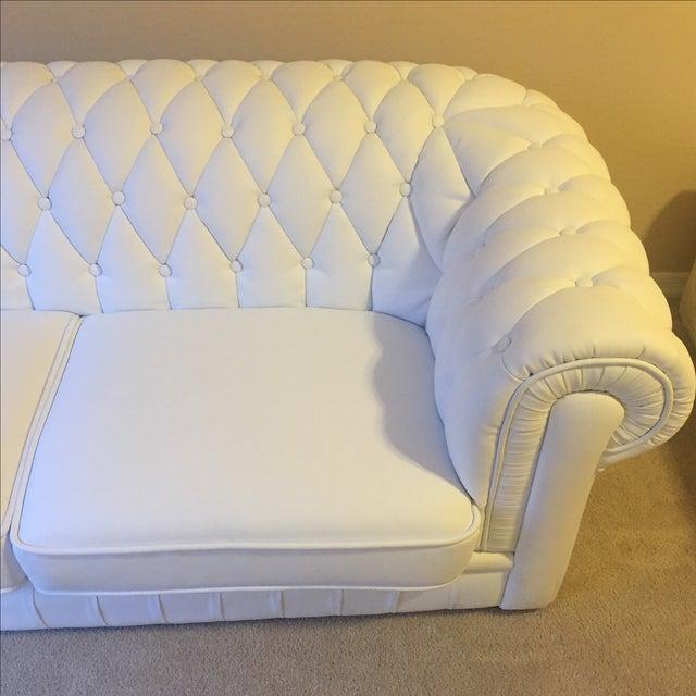 White Leather Tufted Back Sofa - Image 6 of 10