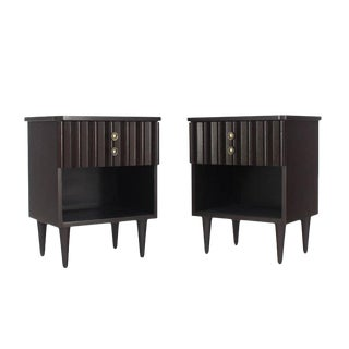 Pair of Ebonized Mid-Century Modern Ebonized End Tables For Sale