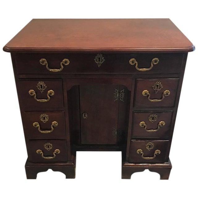 George III Mahogany Kneehole Desk - Image 1 of 6