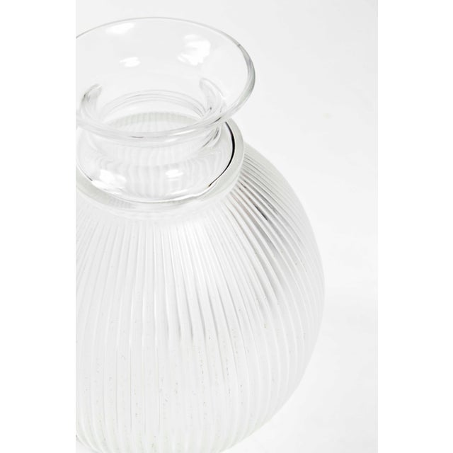 "Contemporary 1990s Vintage Lalique ""Claude"" Vase For Sale - Image 3 of 4"