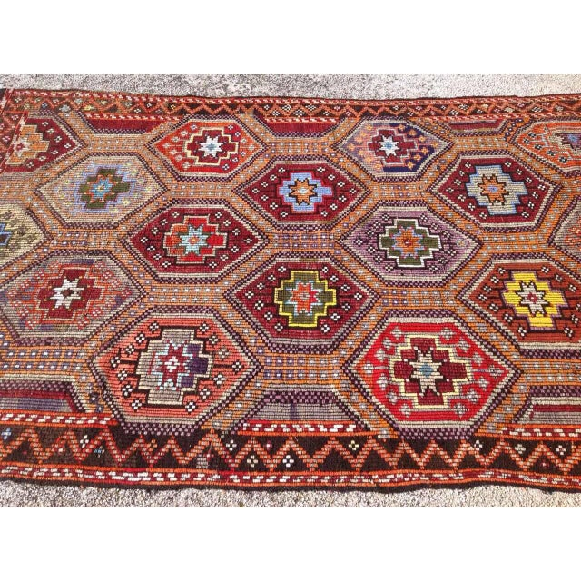 Vintage Turkish Kilim Rug - 5′6″ × 10′ For Sale - Image 4 of 6