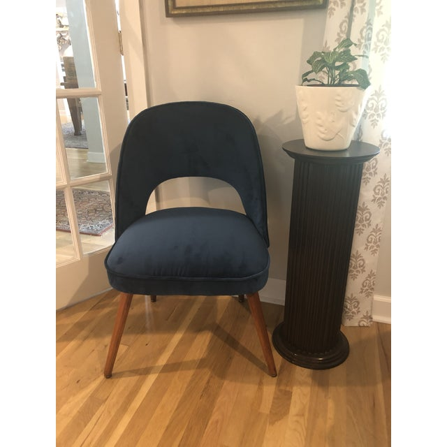 This little chair is just waiting to fill your space with a pop of dark teal velvet. Probably from the '50s or '60s, it...