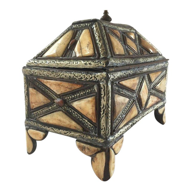 Moroccan Decorative Jewelry Box Inlaid With Bone and Silvered Brass For Sale