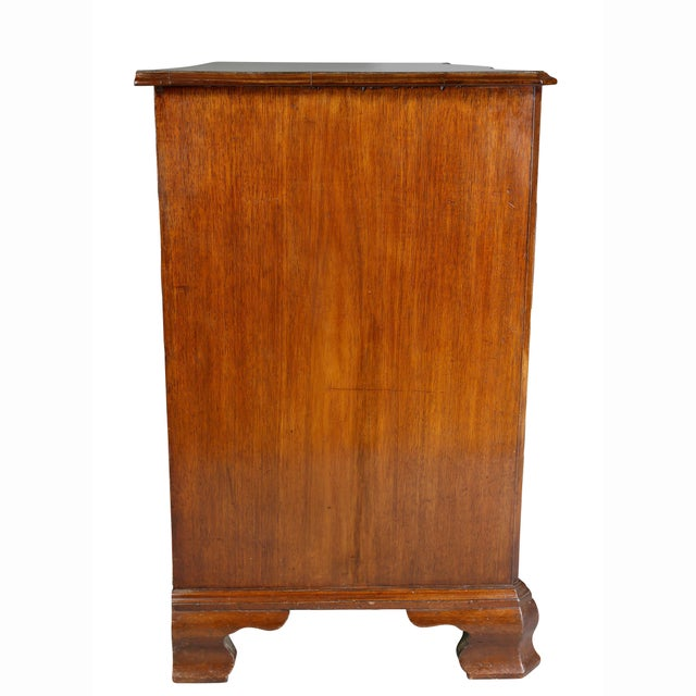 Brown Fine George III Mahogany Serpentine Chest of Drawers For Sale - Image 8 of 11